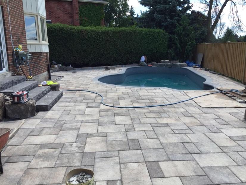 amazing backyard pool area Interlocking